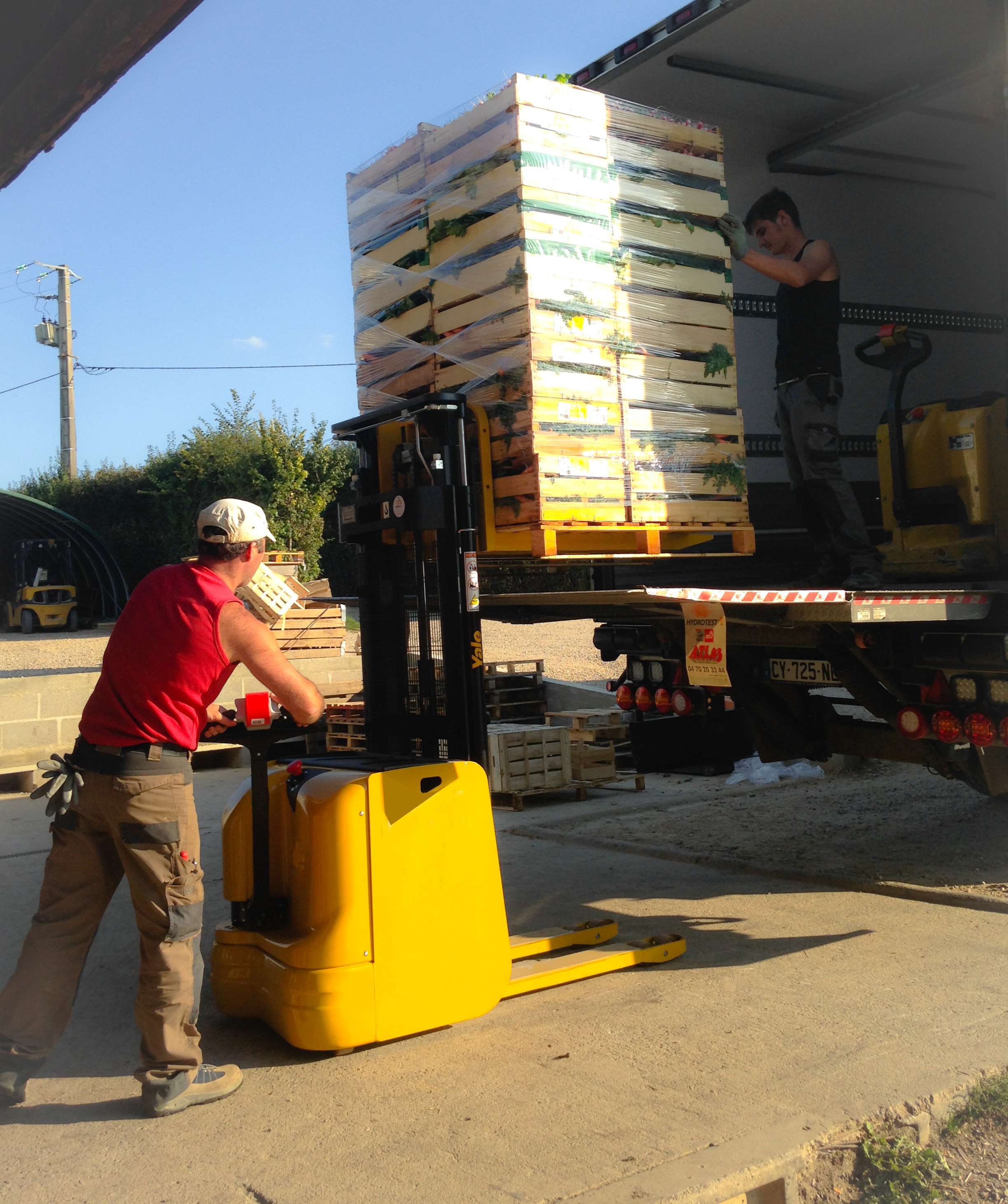 Chargement du camion à la ferme